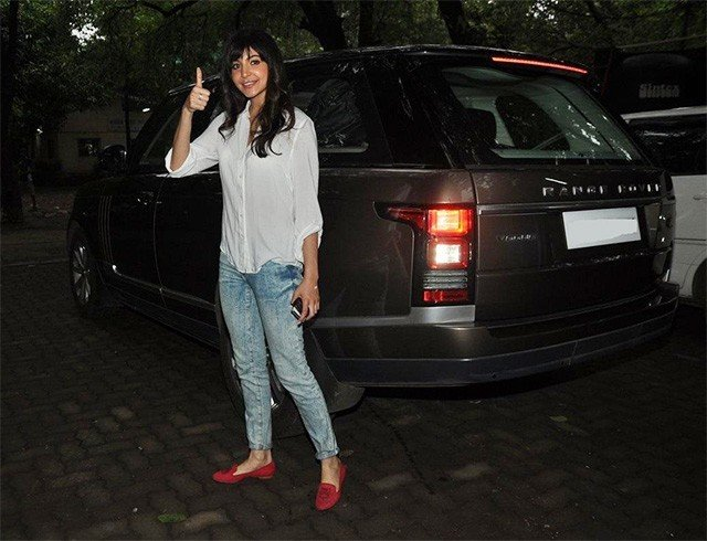 Anushka Sharma car