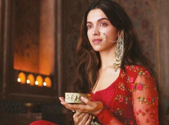 Deepika Padukone In Bajirao Mastani Fashion