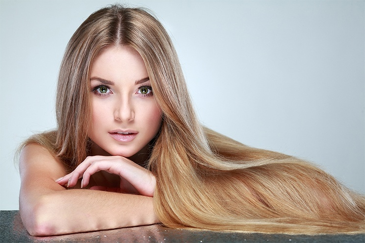 how to get shiny hair naturally at home