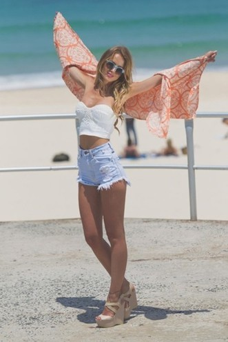 how to wear crop tops casually