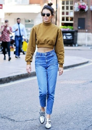 how to wear crop tops with jeans