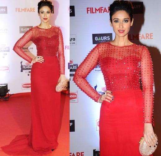 Ileana Dcruz at Filmfare Awards red carpet