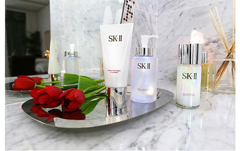 Empfohlene Hautpflege-Regime 40s oder über Frauen können verwenden