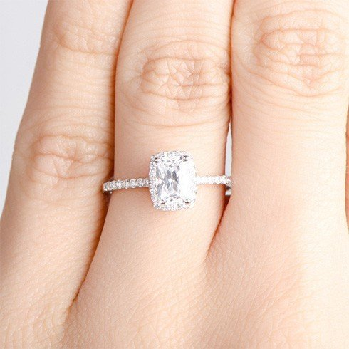 Radiant Shaped Diamond Engagement Rings