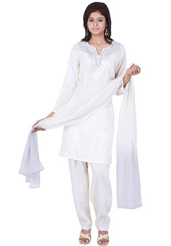 Holi Outfits