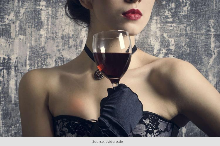 What to Wear Type of Wine you Drink