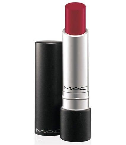Lange tragen Lippenstifte zum Valentinstag für diesen sexy Schmollmund
