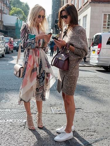what do women wear in paris