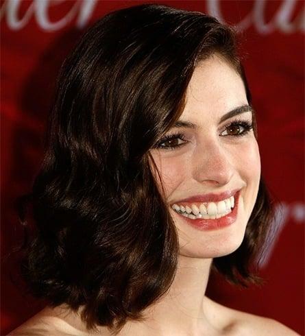 Anne Hathaways Retro Glam Hairstyle