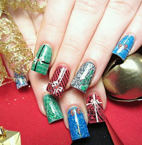 Christmas nail colors