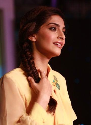 18 Sonam Kapoor Frisuren mit Namen