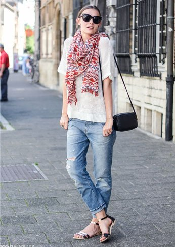 Shoes to wear with boyfriend jeans With Scarf