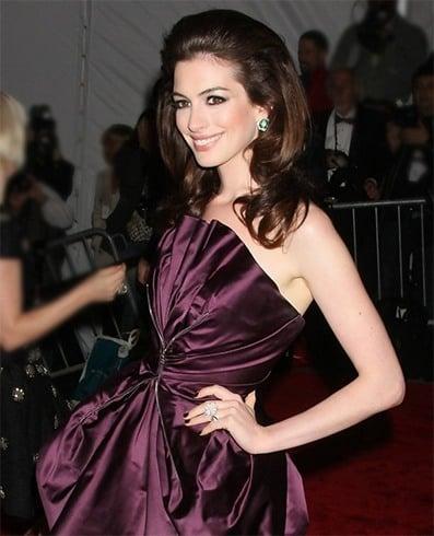 Shoulder Length Hair of Anne Hathaway