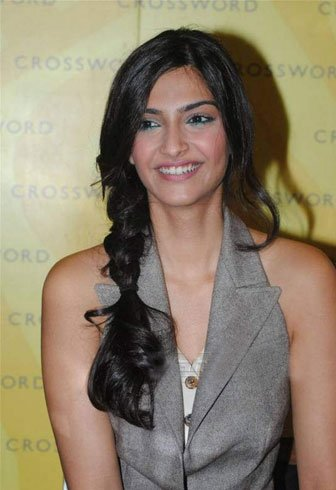Side Messy Braid For Sonam Kapoor