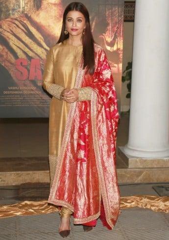 Aishwarya Rai handwoven Mysore Pink banarasi dupatta