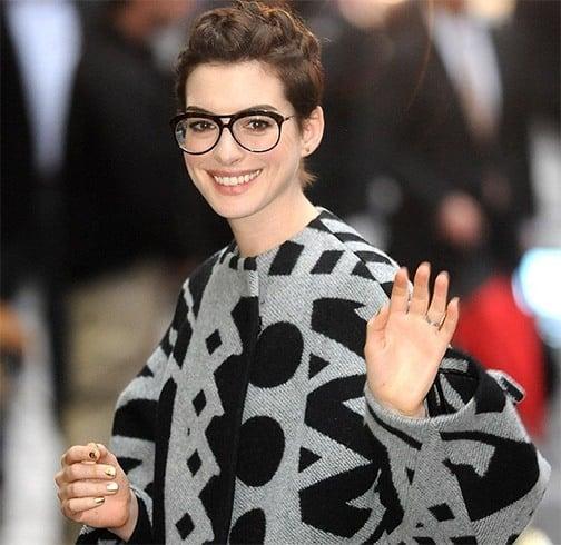Anne Hathway round glasses