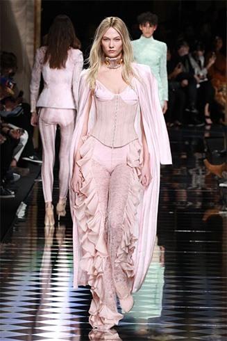 Karlie Kloss at fashion week
