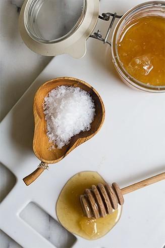 Pre Shampoo Salt Treatment
