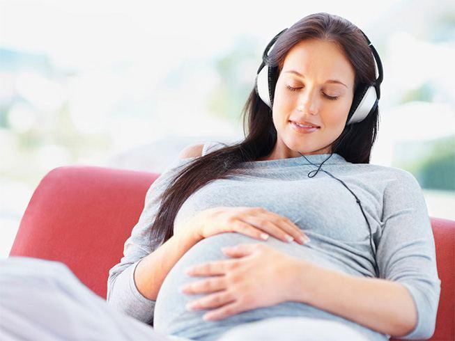 Pregnant women listening to music