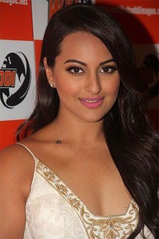 Sonakshi Sinha Best Looks