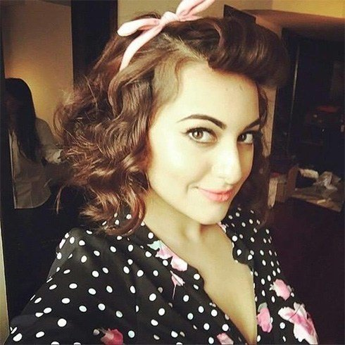 Sonakshi Sinha retro hairstyle