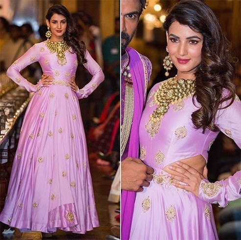 Sonal Chauhan in lavender cut out gown