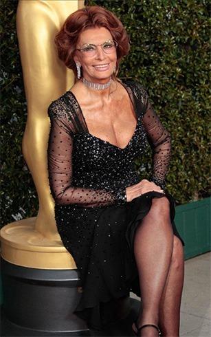 Sophia Loren choker