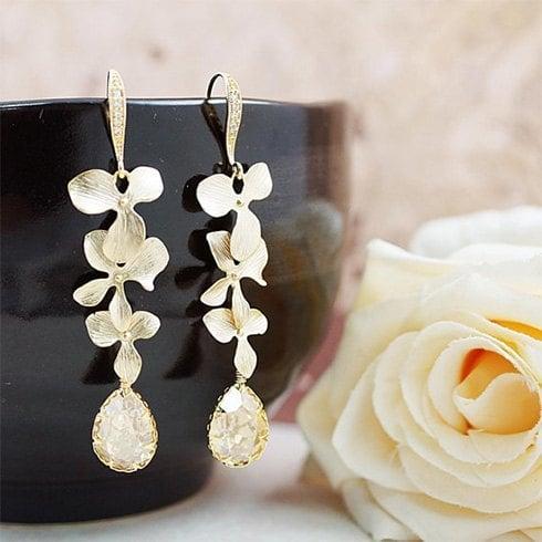 Tips On Wearing Dangling Earrings