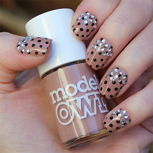 13 party nail art ideas for the party hopping you wedding party nail art prinsesfo Image collections