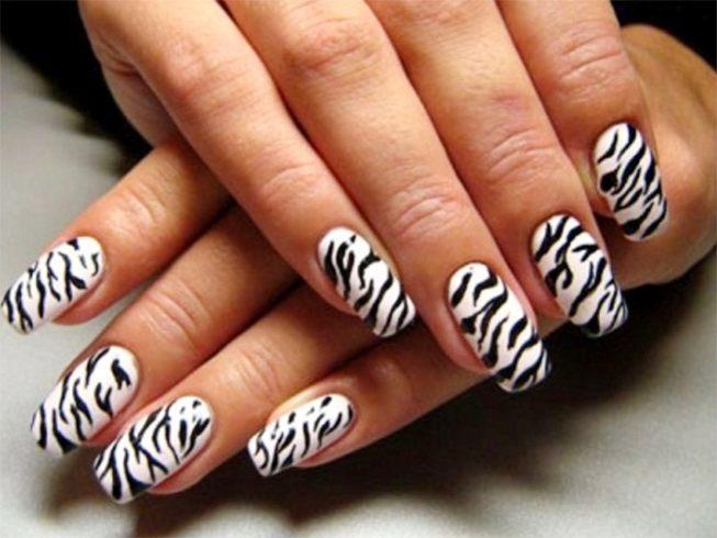 Animal Fantasy Comes Alive With Zebra Print Nail Art