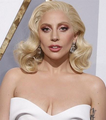 90 Carats Of Lorraine Schwartz For Lady Gaga