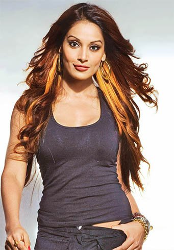 How to Glow Like Bipasha Basu