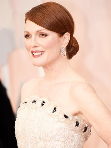 Julianne Moore Inspired Hairstyles for Women