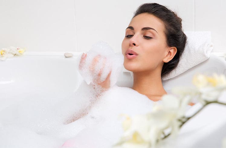 Natural Homemade Bubble Bath Recipes
