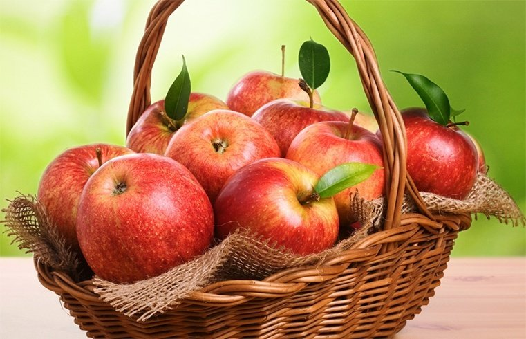Nourish Your Skin With Apples