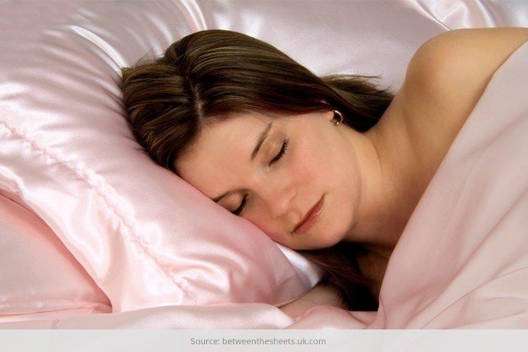 silk pillowcase benefits for hair
