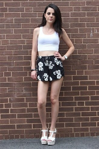 Cropped Tops With Black Floral Shorts
