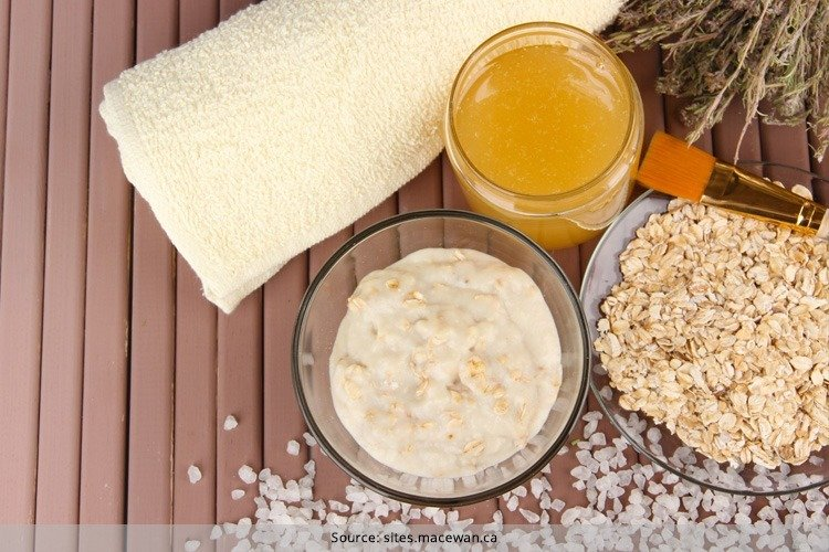 Face Pack With Oats And Honey