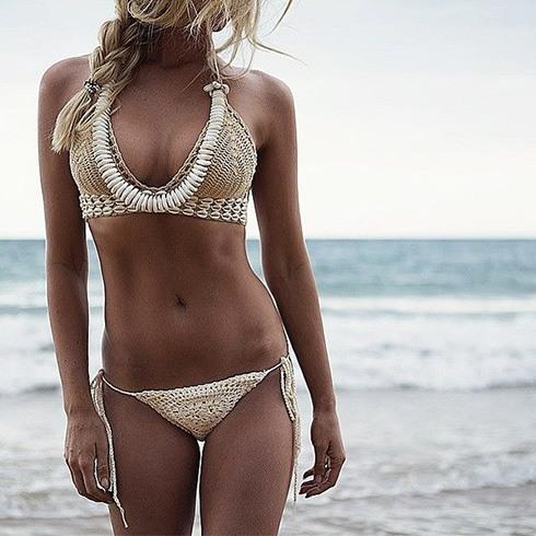 How To Wear a Sarong On Bikini