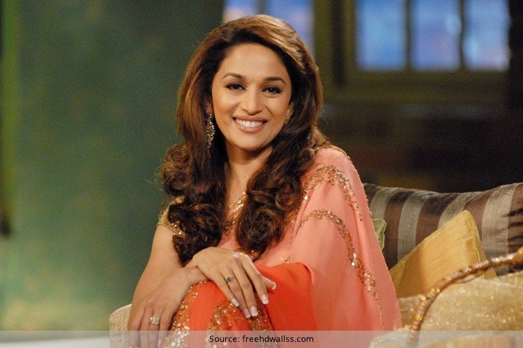 madhuri dixit hair style notice the evolution of madhuri dixit fashion hair 7730