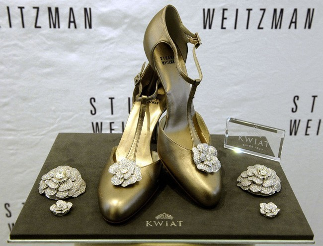Retro Rose Pumps by Stuart Weitzman