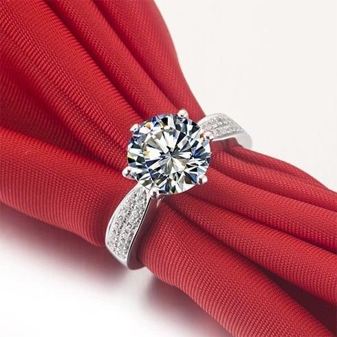 Round shape diamond ring
