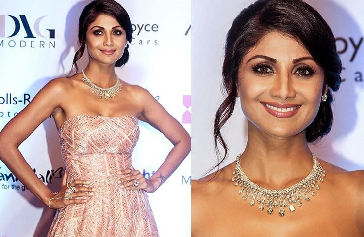 Shilpa in Anmol Jewellers