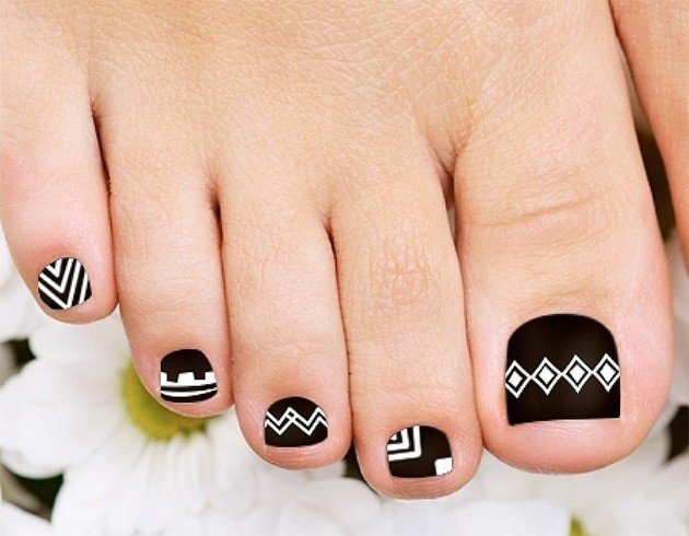 35 easy toe nail designs that are totally worth your time tribal toenail designs prinsesfo Images
