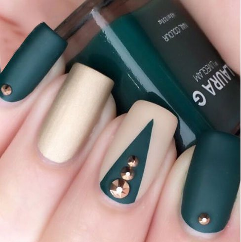 Get ready for fall with this ultra modern nail art design