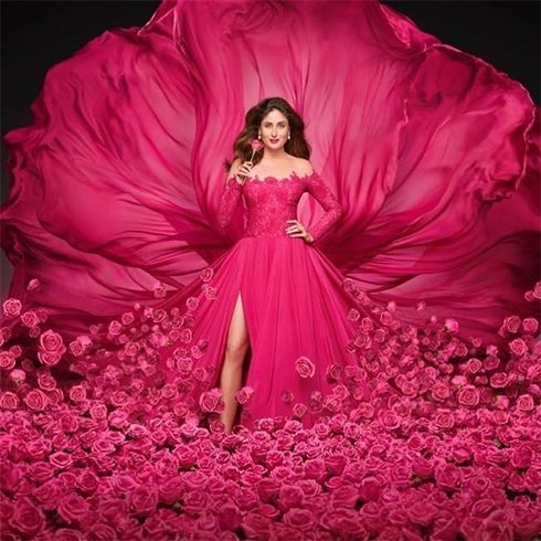 Kareena Kapoor Khan At New Lux Ad