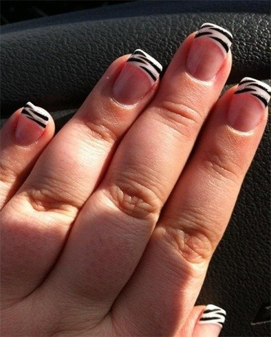 Animal Fantasy Comes Alive With Zebra Print Nail Art