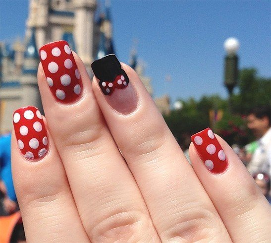 Minnie Mouse Nail Art Designs