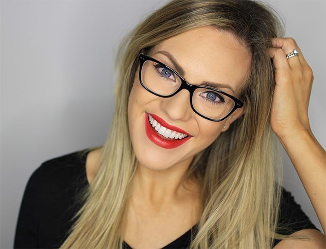 Ways To Look Beautiful In Glasses