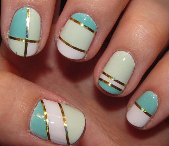 How To Create A Simple Striped Nail Art At Home
